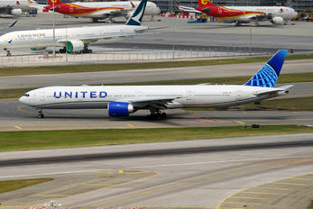 N2352U - United Airlines Boeing 777-300ER