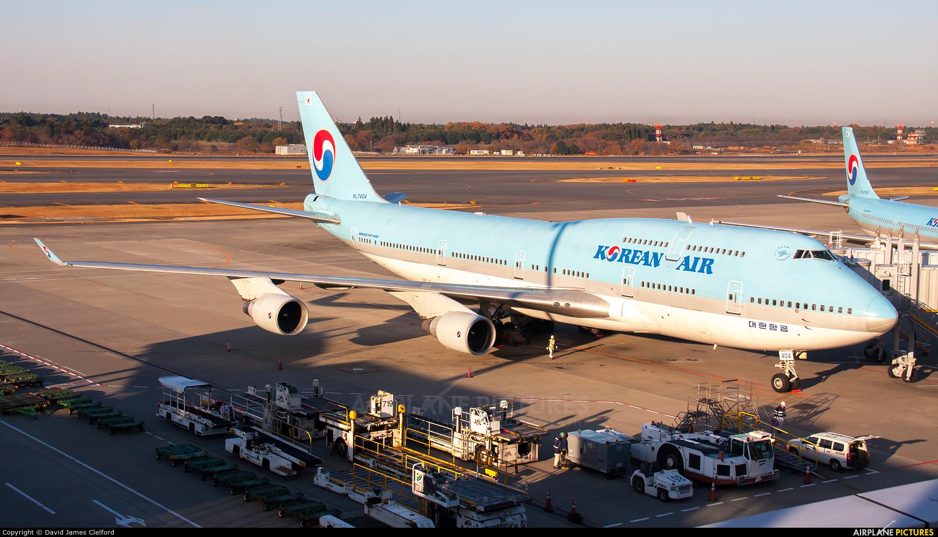 Korean Air HL7404 aircraft at Tokyo - Narita Intl