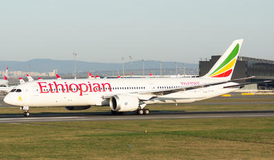 ET-AXS - Ethiopian Airlines Boeing 787-9 Dreamliner