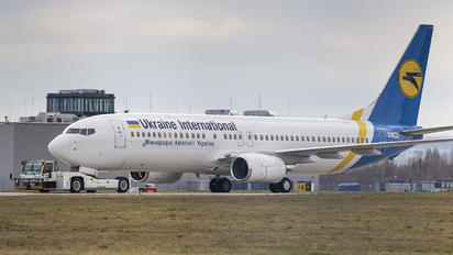 OE-INY - Ukraine International Airlines Boeing 737-800