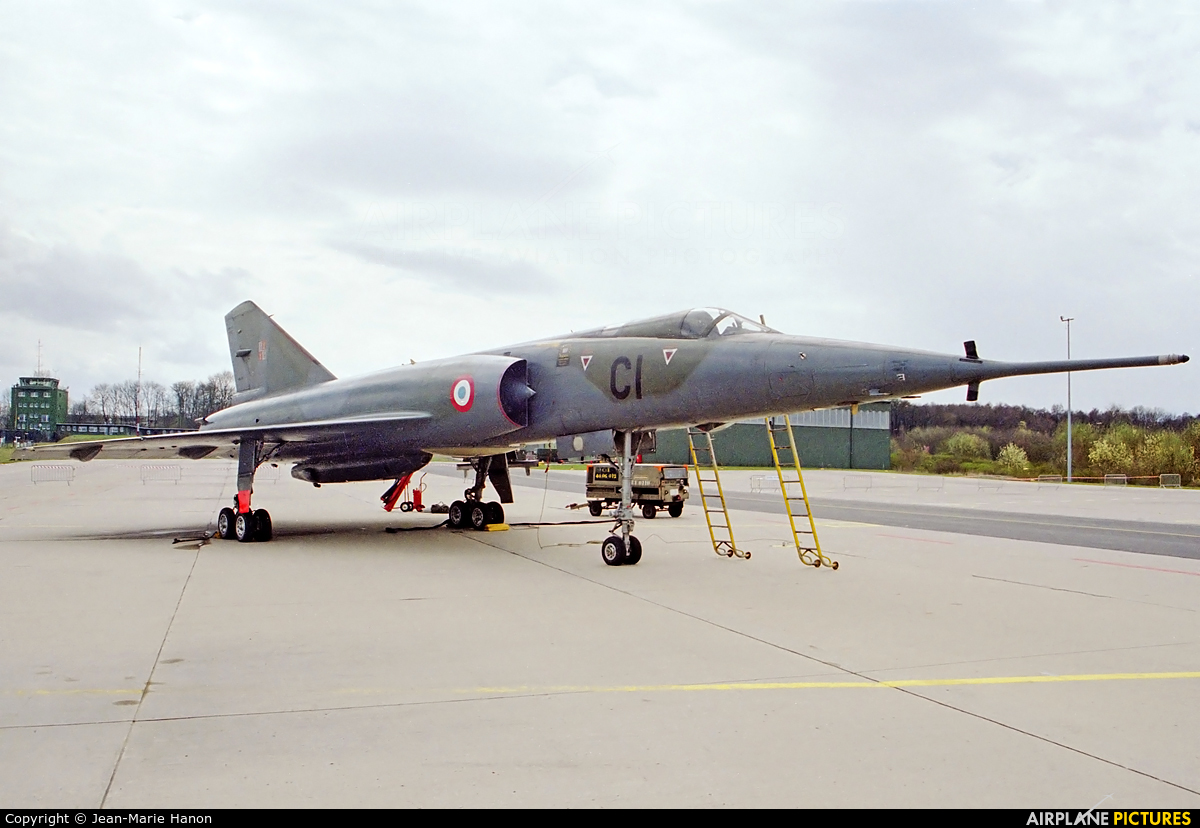 France - Air Force 62 aircraft at Florennes