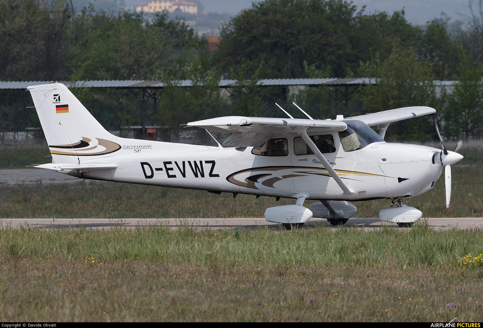 Private D-EVWZ aircraft at Verona - Boscomantico
