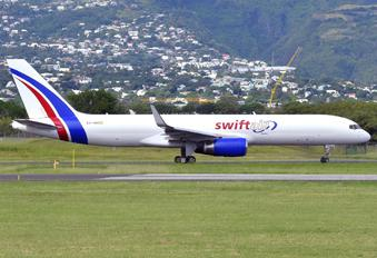EC-NIU - Swiftair Boeing 757-223(SF)