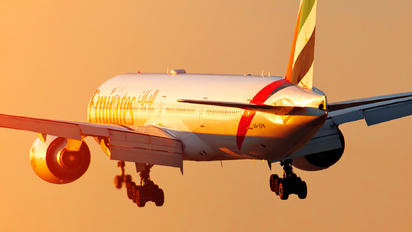A6-EPN - Emirates Airlines Boeing 777-31H(ER)