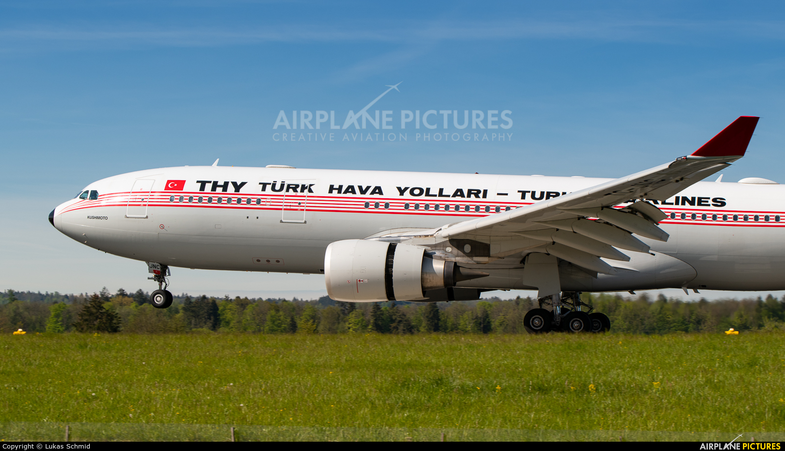 Turkish Airlines TC-JNC aircraft at Zurich