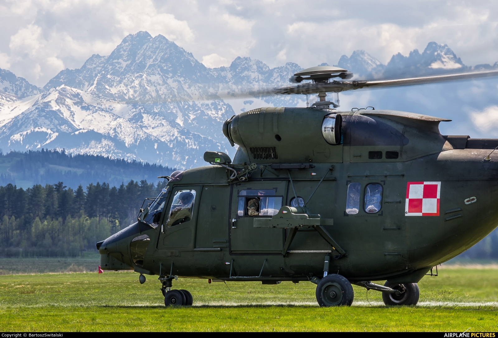 Poland - Army 0807 aircraft at Nowy Targ