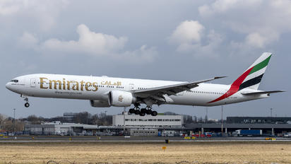 A6-EPP - Emirates Airlines Boeing 777-300ER