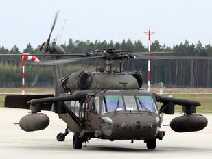 90-26271 - USA - Army Sikorsky H-60L Black hawk