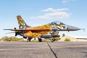 15116 - Portugal - Air Force General Dynamics F-16A Fighting Falcon