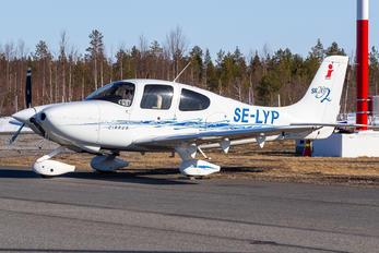 SE-LYP - Private Cirrus SR20