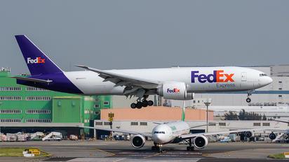 N860FD - FedEx Federal Express Boeing 777-200