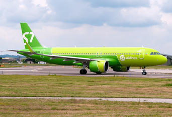VQ-BRB - S7 Airlines Airbus A320 NEO