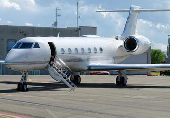 I-GBMP - Private Gulfstream Aerospace G-V, G-V-SP, G500, G550