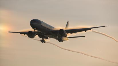 A7-BEJ - Qatar Airways Boeing 777-31H(ER)