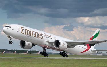 A6-ENL - Emirates Airlines Boeing 777-300ER