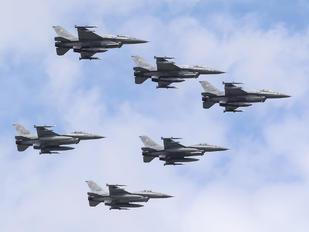 4081 - Poland - Air Force Lockheed Martin F-16D block 52+Jastrząb