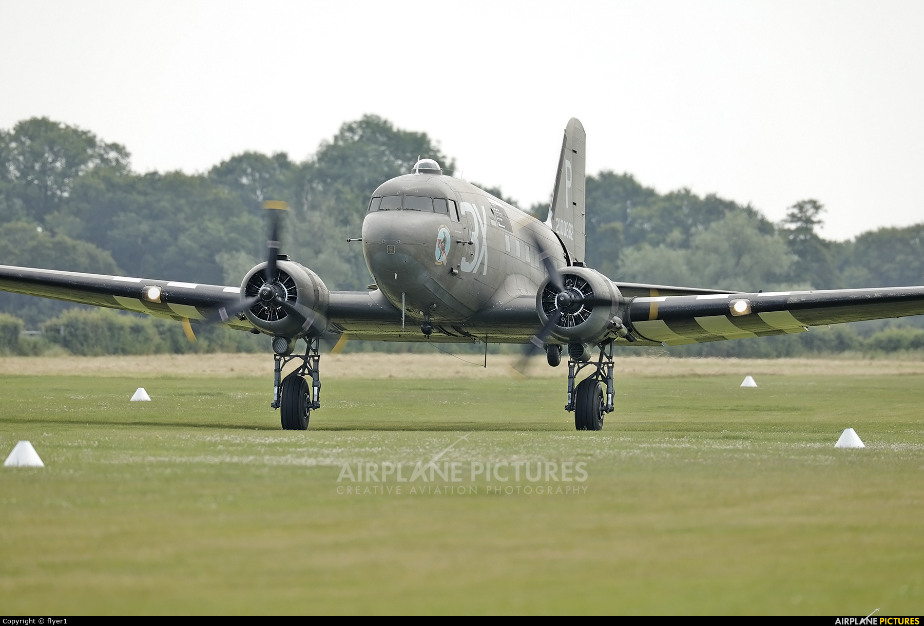Aerolegends N473DC aircraft at Lashenden / Headcorn