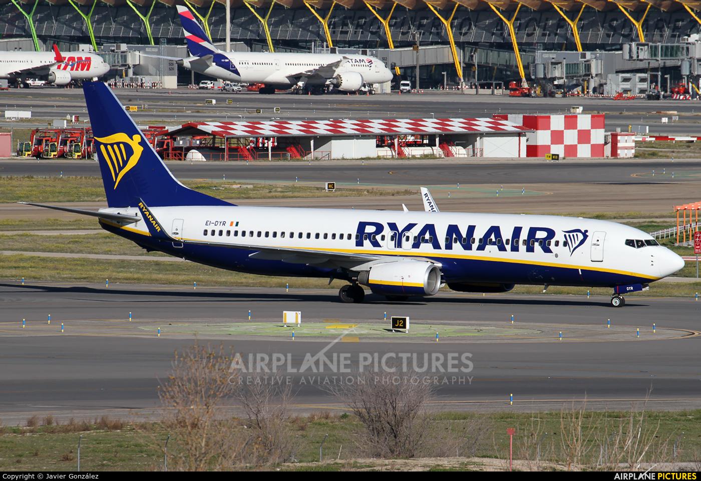 Ryanair EI-DYR aircraft at Madrid - Barajas