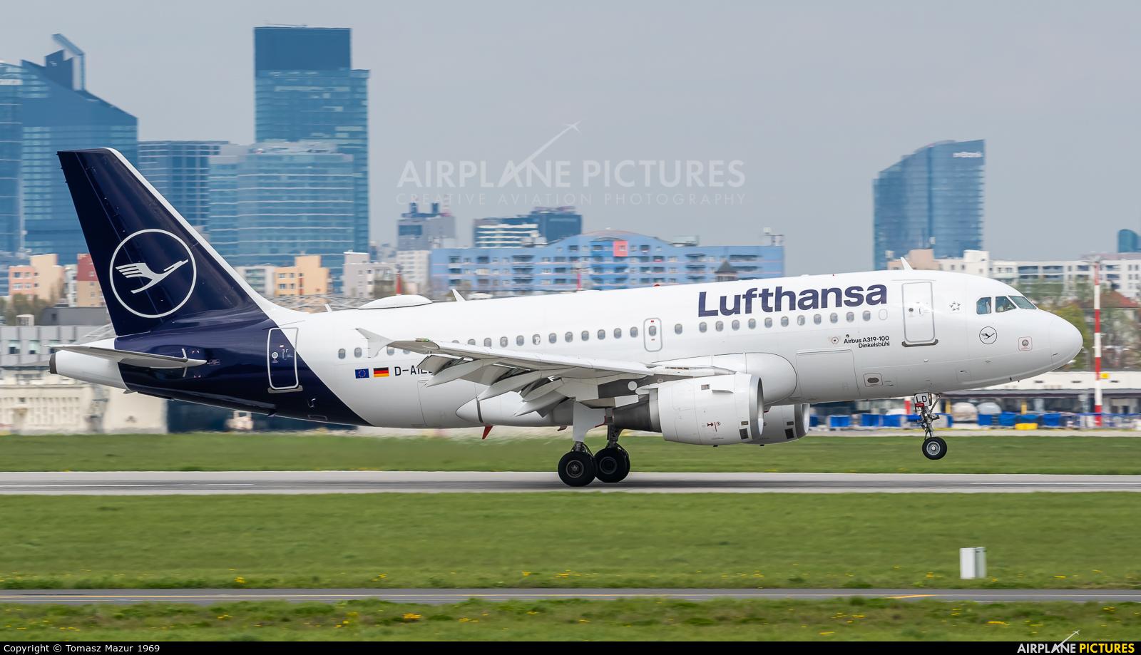 Lufthansa D-AILD aircraft at Warsaw - Frederic Chopin