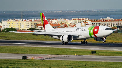 CS-TUR - TAP Portugal Airbus A350-900
