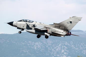 MM7044 - Italy - Air Force Panavia Tornado - IDS