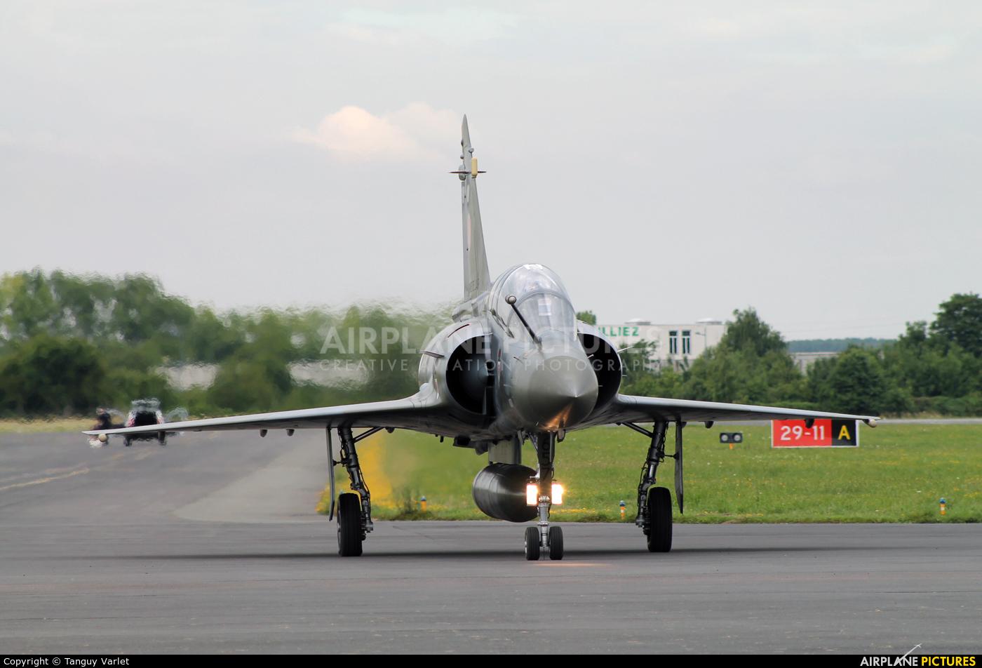 France - Air Force 657 aircraft at Valenciennes - Denain