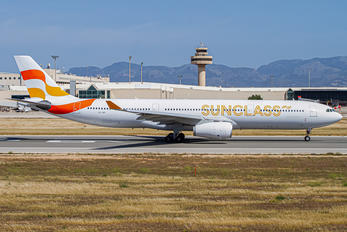 OY-VKI - Sunclass Airlines Airbus A330-300