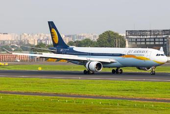 VT-JWU - Jet Airways Airbus A330-300