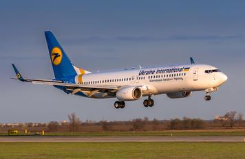 UR-UIA - Ukraine International Airlines Boeing 737-800