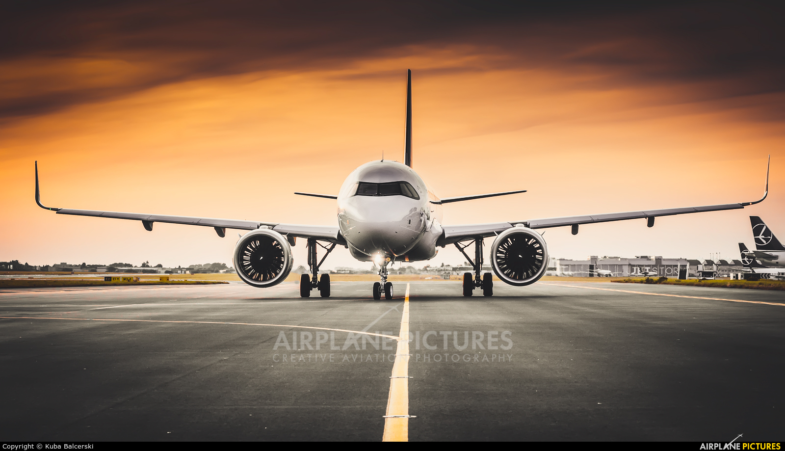 Lufthansa D-AINY aircraft at Warsaw - Frederic Chopin