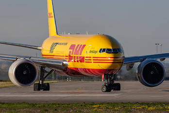 D-AALM - DHL (Aerologic) Boeing 777F