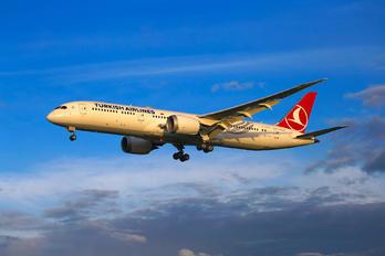 TC-LLB - Turkish Airlines Boeing 787-9 Dreamliner