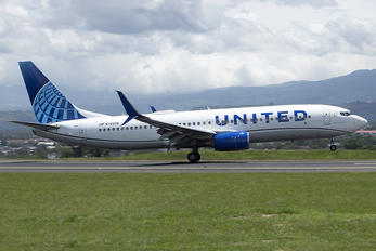 N76508 - United Airlines Boeing 737-800