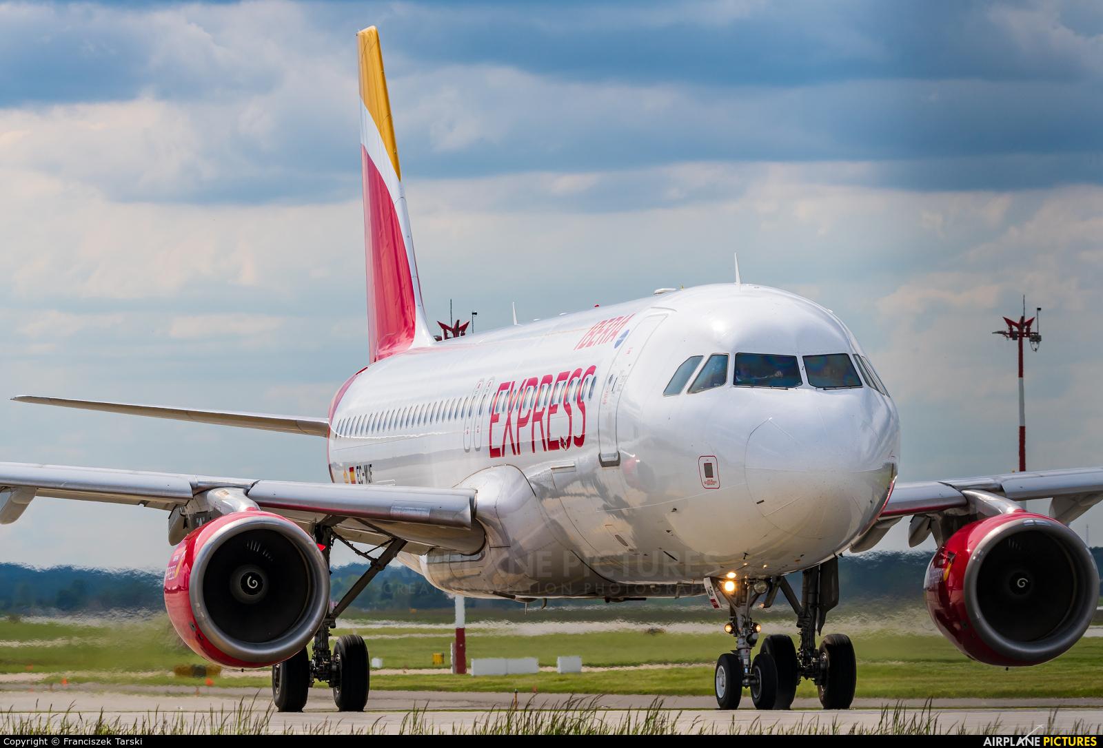 Iberia Express EC-MUF aircraft at Katowice - Pyrzowice