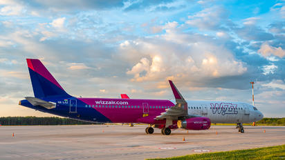 HA-LXZ - Wizz Air Airbus A321