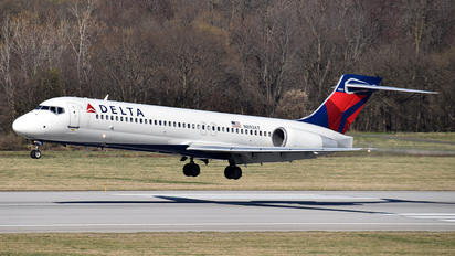 N893AT - Delta Air Lines Boeing 717