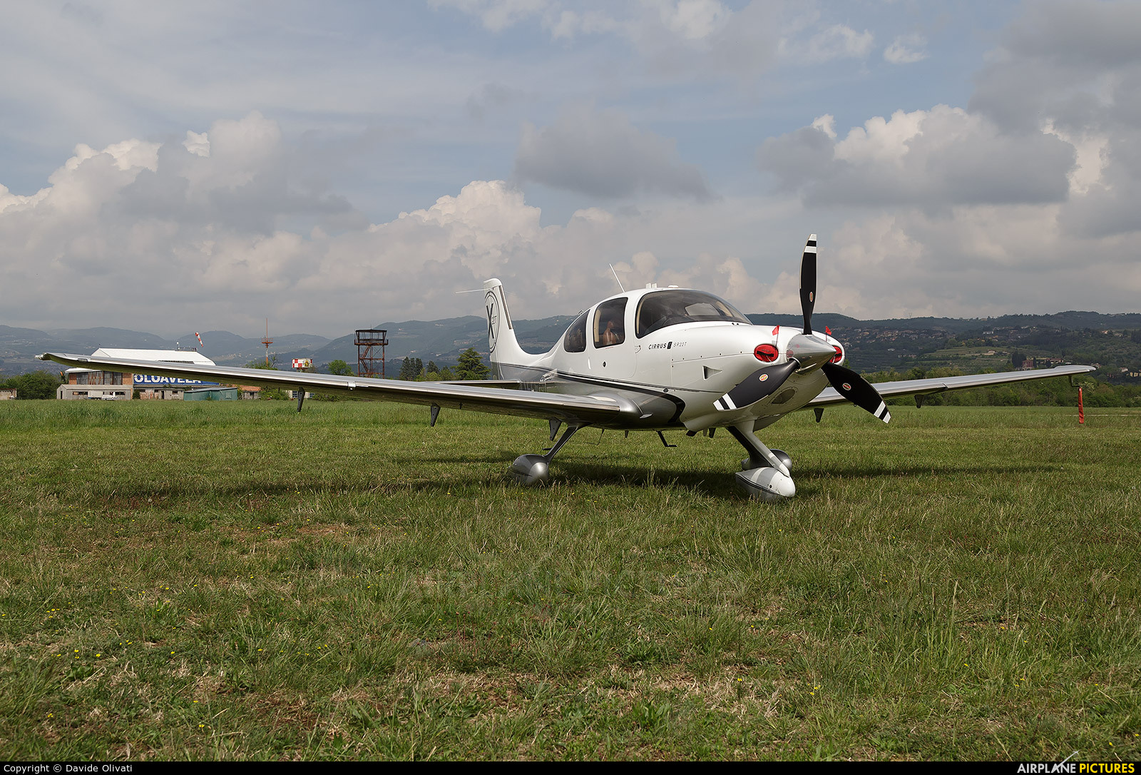Private N117SU aircraft at Verona - Boscomantico