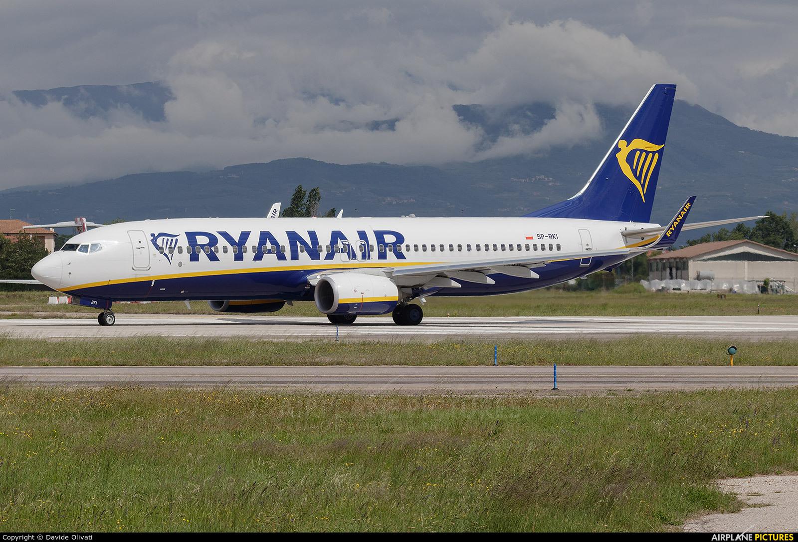 Ryanair Sun SP-RKI aircraft at Verona - Villafranca