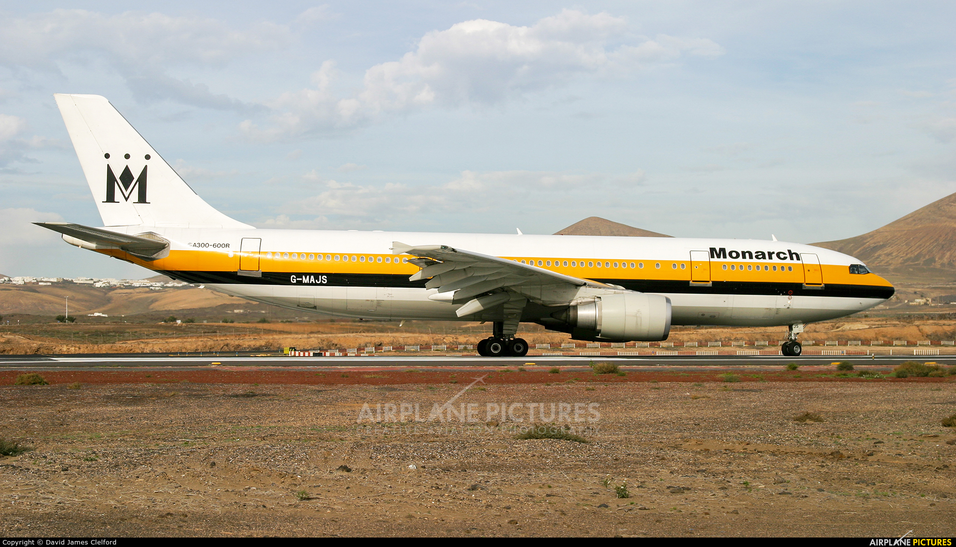 Monarch Airlines G-MAJS aircraft at Lanzarote - Arrecife