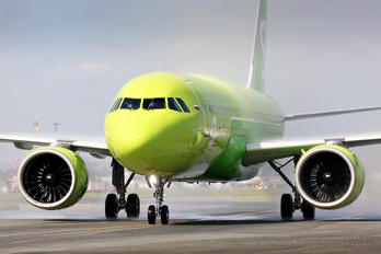VP-BTX - S7 Airlines Airbus A320 NEO