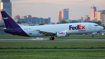 OE-IAT - TNT Boeing 737-400F