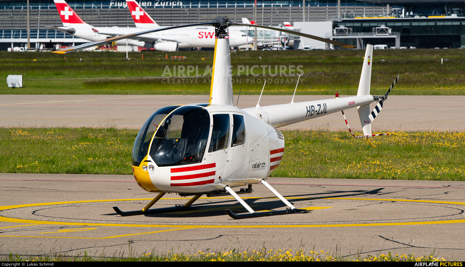 Private HB-ZJL aircraft at Zurich