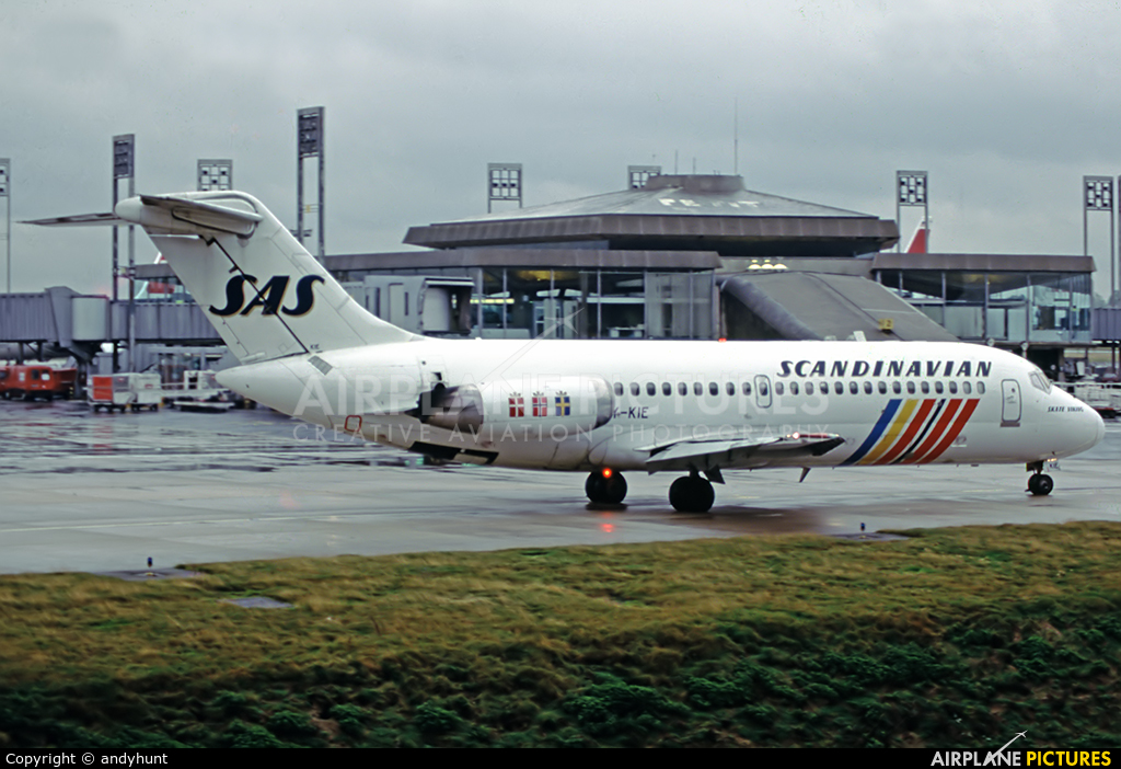 SAS - Scandinavian Airlines OY-KIE aircraft at Paris - Charles de Gaulle