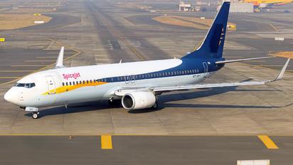 VT-SYY - SpiceJet Boeing 737-800