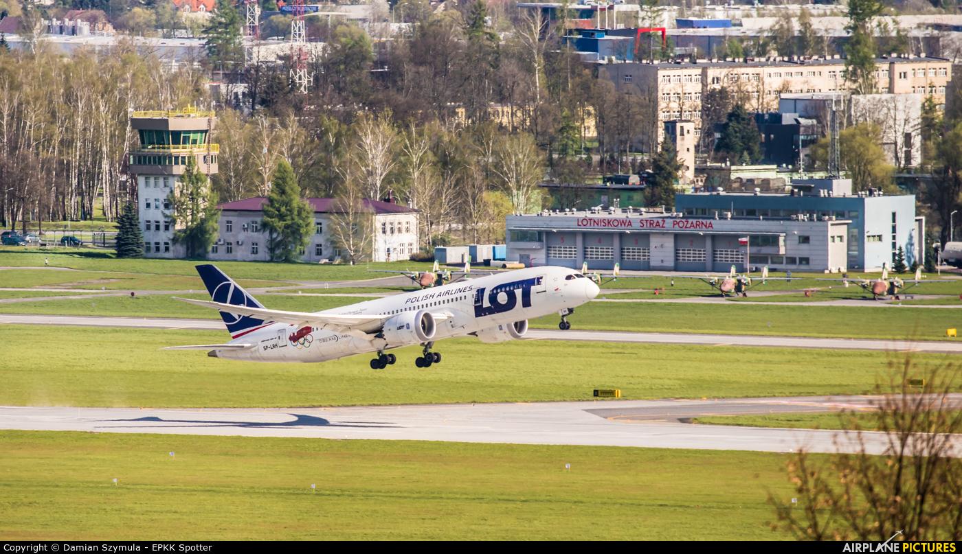 LOT - Polish Airlines SP-LRH aircraft at Kraków - John Paul II Intl