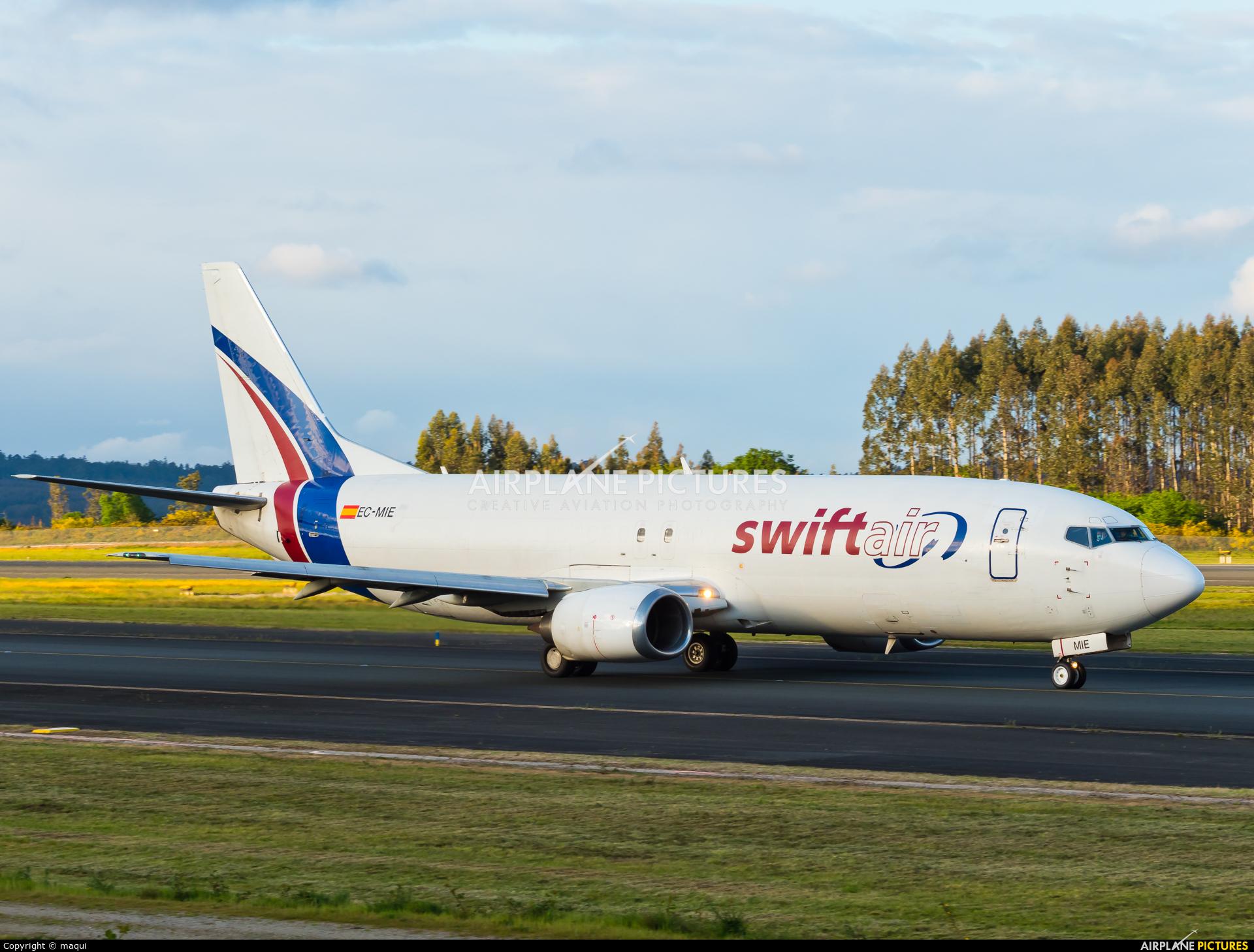 Swift Air EC-MIE aircraft at Santiago de Compostela