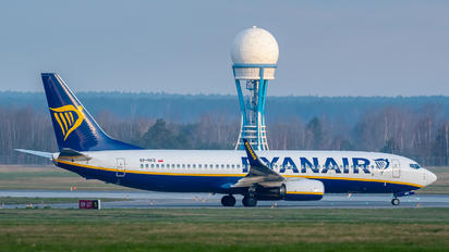 SP-RKQ - Ryanair Sun Boeing 737-8AS