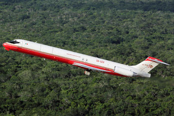 XA-UZV - Aeronaves TSM McDonnell Douglas MD-83