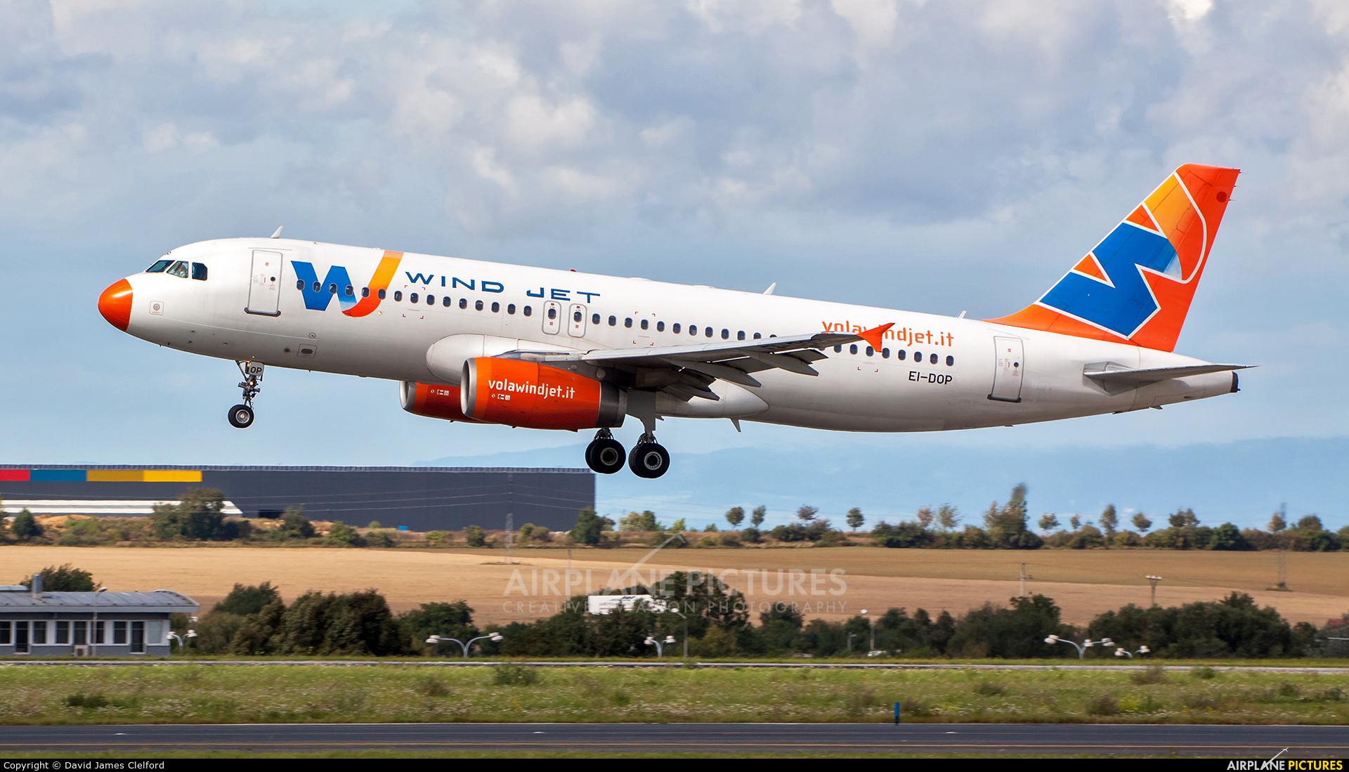 Windjet EI-DOP aircraft at Prague - Václav Havel