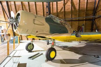 FT422 - Royal Air Force Noorduyn AT-16 Harvard IIB